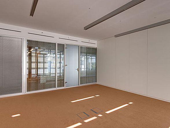baader bank lindner group. Black Bedroom Furniture Sets. Home Design Ideas