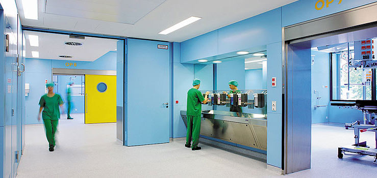 & Operating Theatre Partitions and Doors | Lindner Group